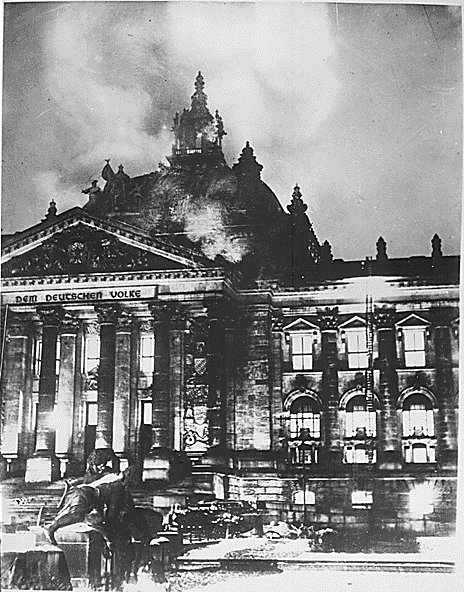 Reichstagsbrand.jpg