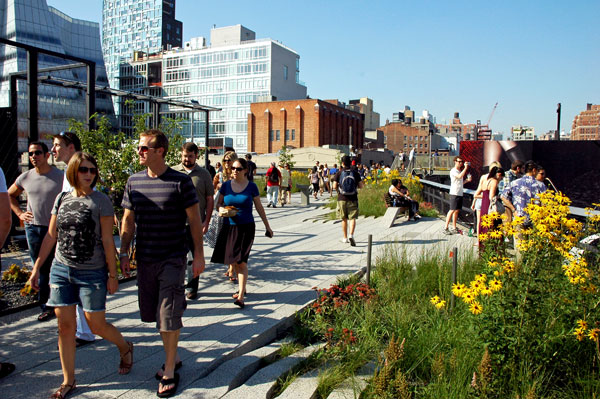 High_Line_tourist_brochure.jpg