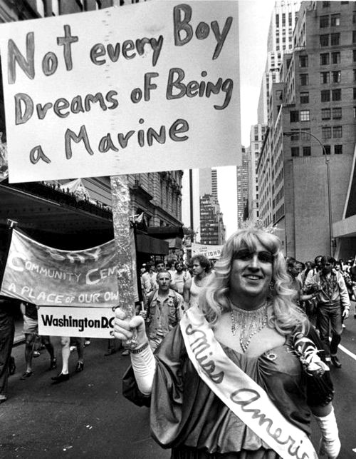 drag-against-war.jpg